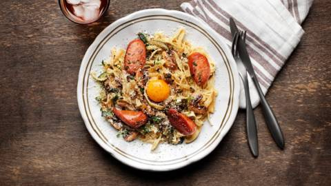 Linguicakorv med tagliatelle, champinjoner och zucchini