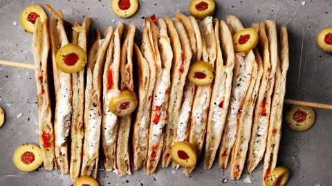 Quesadillas med chévre och gröna oliver