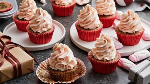 Pepparkakscupcakes med skumtomtefrosting
