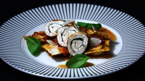 Kycklingrullader fyllda med parmesan och basilika