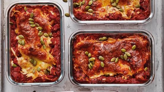 Vegetarisk lasagne med zucchini och färskost
