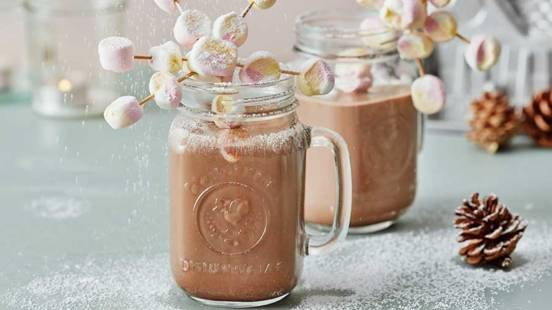 Varm choklad med marshmallowstjärnor
