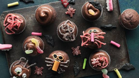 Busiga chokladmuffins med frosting