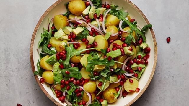 Kall potatissallad med granatäpple