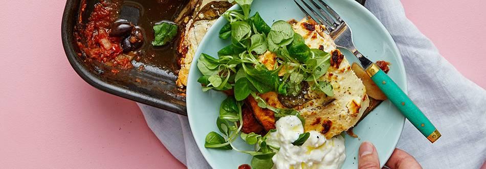 Vegetarisk moussaka med fetaostkräm