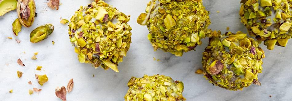 Mandelbollar med pistage och lime