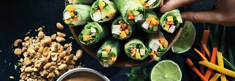Vietnamesiska vårrullar med grillad tofu och dipp