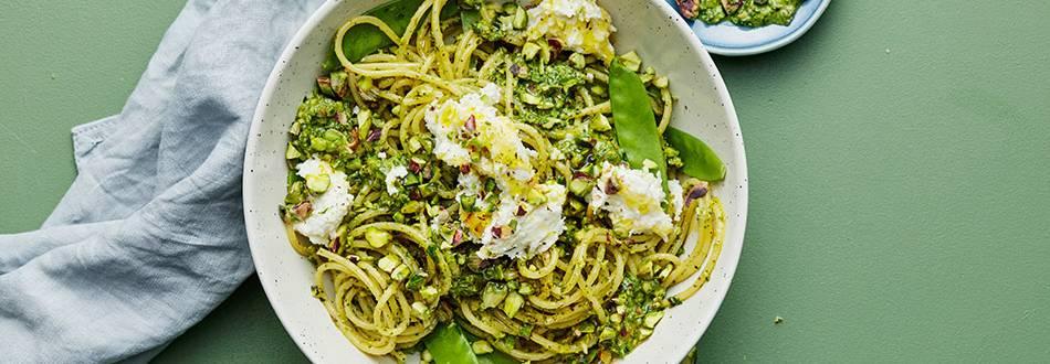 Spaghetti med pistage- och myntapesto
