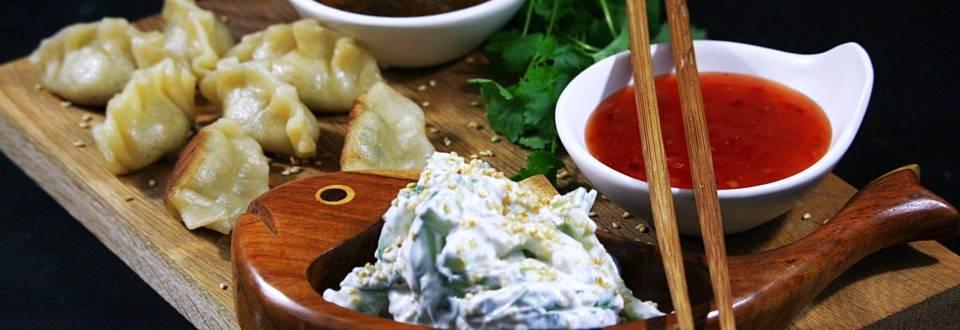 Tofudumplings med gurkraita